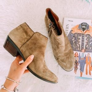 SAM EDELMAN Petty suede ankle bootie tan putty